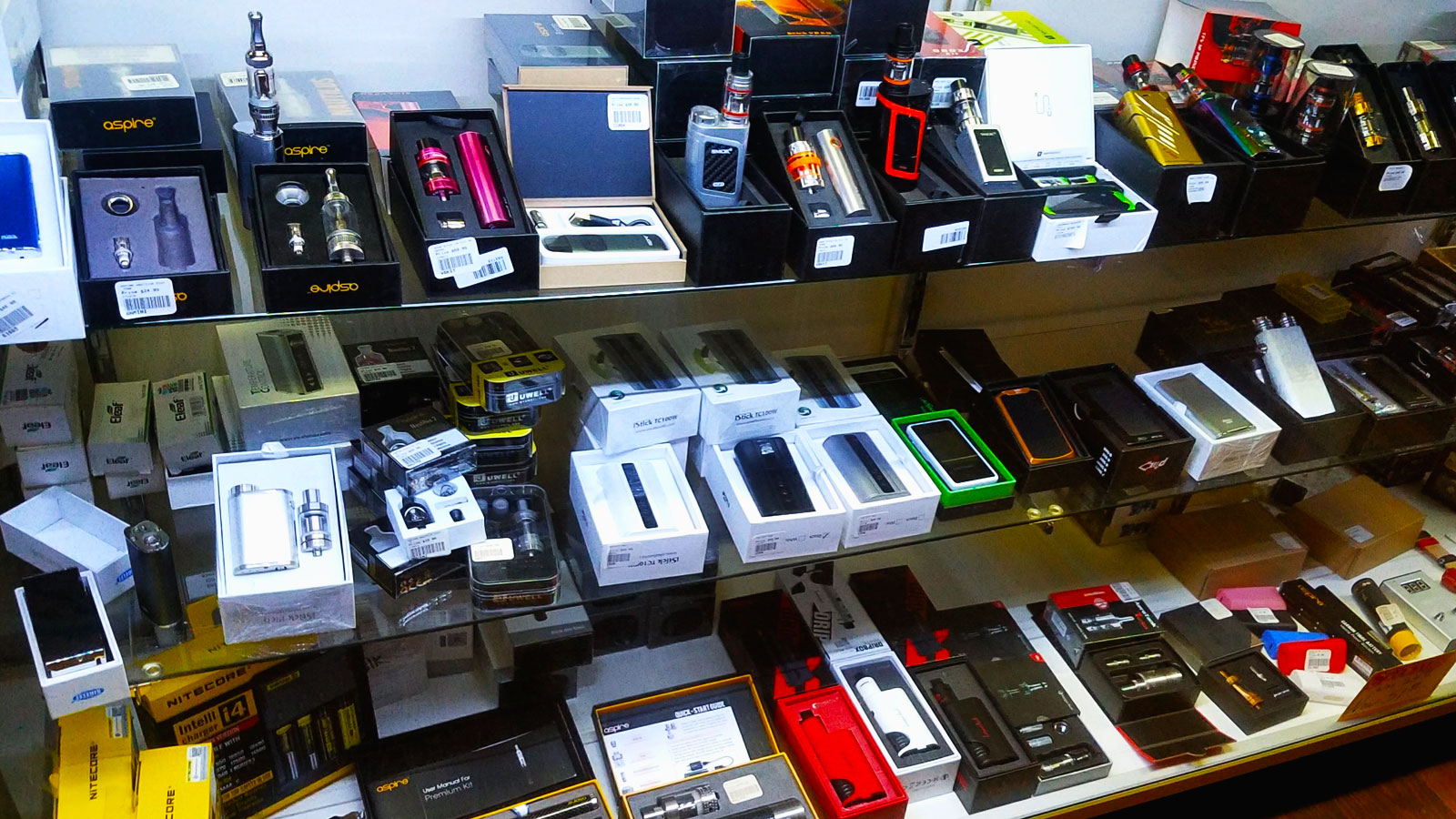 A Large Selection of Vapor and E-Cig Products